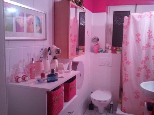 pinkes badezimmer abdeckung ablauf dusche. Black Bedroom Furniture Sets. Home Design Ideas